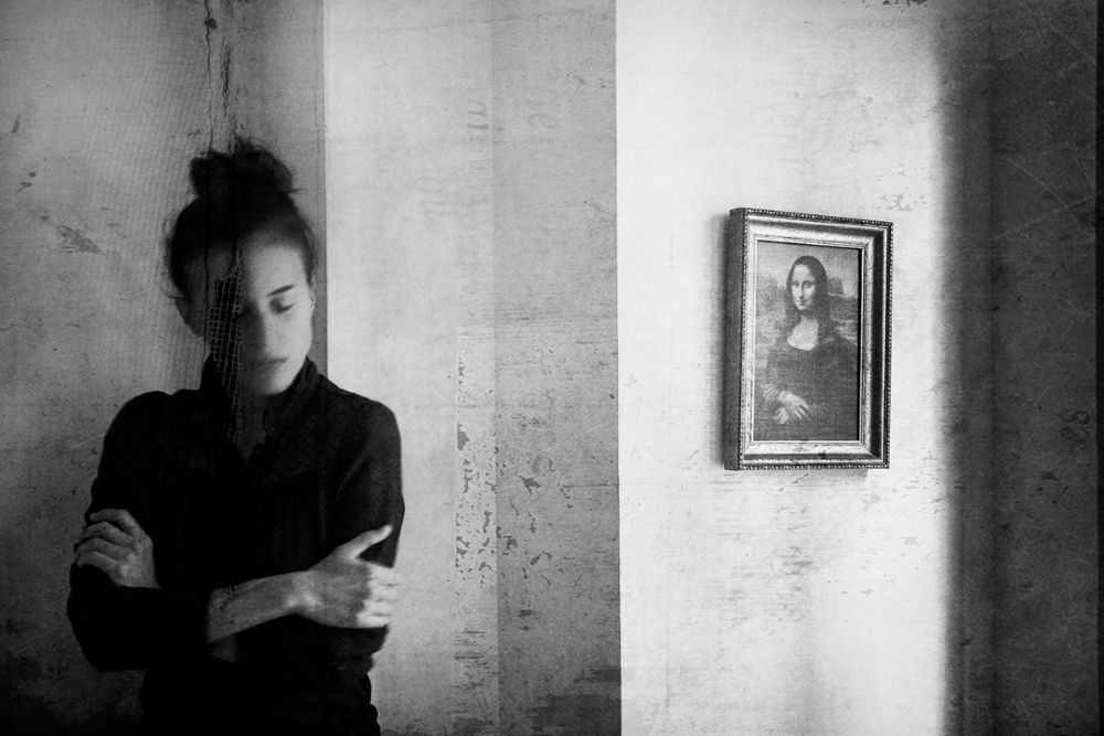auto portrait noir et blanc, photographie d'art de l'artise Leila Fores présentée par la Galerie 3838